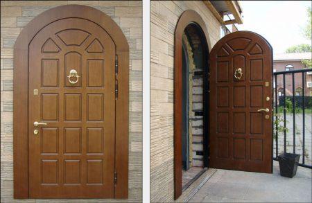 Деревянные арочные входные двери