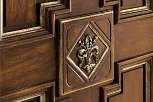 Полотно двери с резьбой