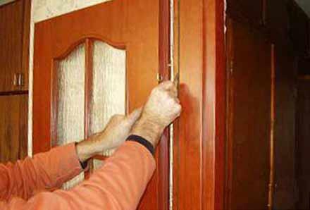 Установка двери между комнатами