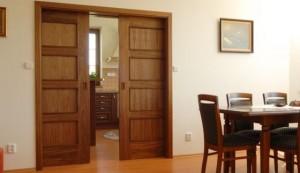 Раздвижные двери в столовой