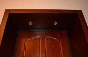 Встроенная подсветка в откосы двери