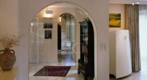 Арочная межкомнатная дверь