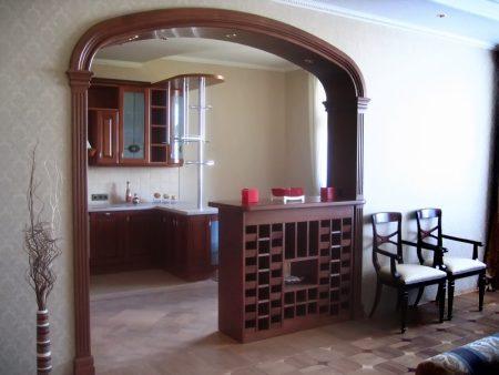 Деревянная арка на кухню