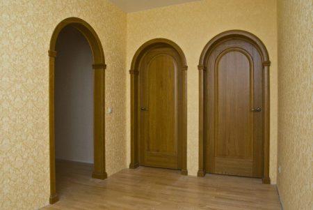 Пример арочных дверей в интерьере