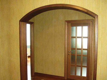 Готовая арка в дверном проеме