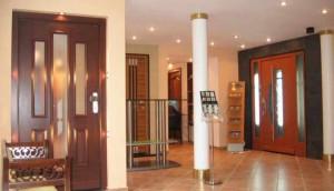 Двери для помещений дома