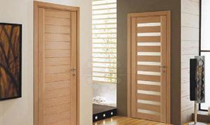 Деревянная дверь в квартире