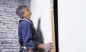 Навешивание полотна двери