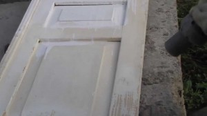 Дверь перед снятием краски