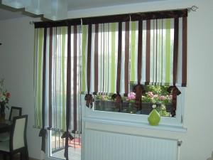 Пример использования штор для двери на балкон