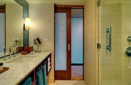 Раздвижная дверь в ванной