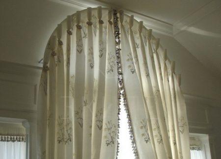 Вариант штор на арку в доме