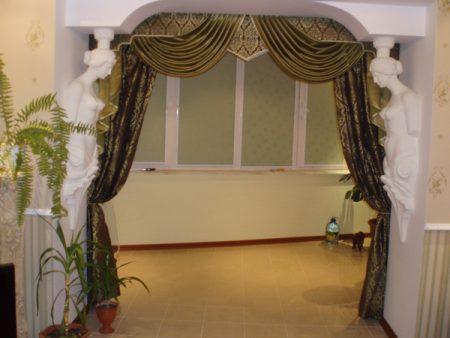 Красивые шторы для отделки дверной арки